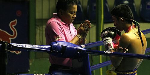 Ritual previo combate de Muay Thai